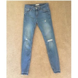 Zara Super Skinny Distressed Ankle Jean